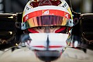 EK Formule 3 EK F3 Pau: Zhou overleeft meerdere herstarts en wint eerste race