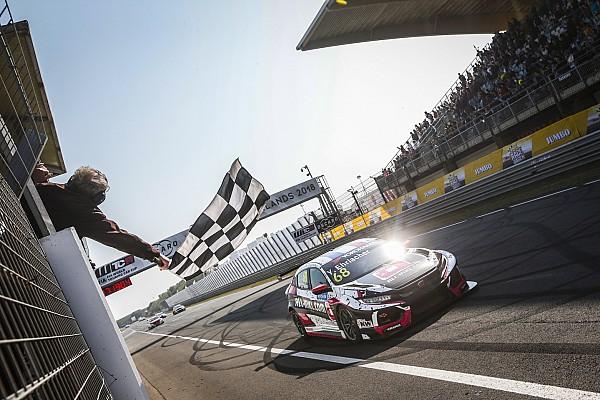 WTCR Отчет о гонке Эрлаше выиграл гонку WTCR в Зандфорте, Мюллер закончил ее на заборе