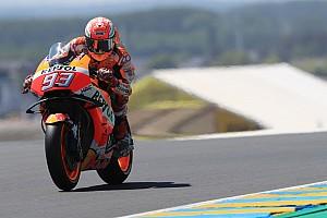 MotoGP Motorsport.com hírek Marquez nyerte a fordulatokban gazdag Francia Nagydíjat Petrucci és Rossi előtt!
