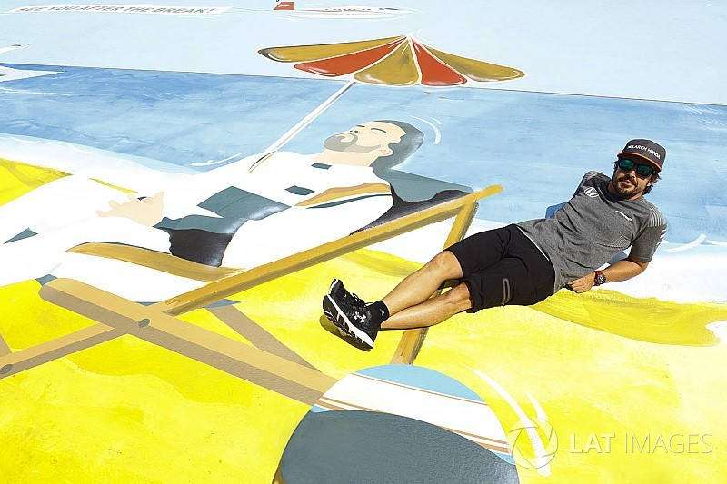 Overzicht: Wat doen de Formule 1-coureurs tijdens de zomerstop?