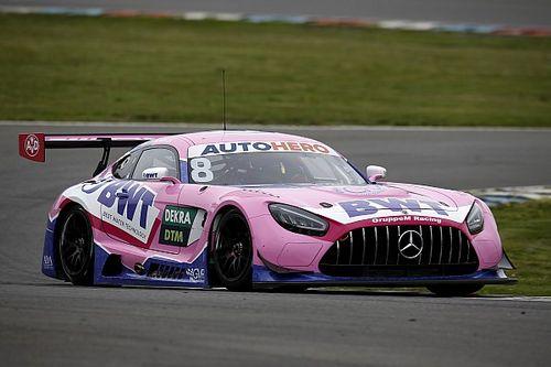 Mercedes deelt de lakens uit tijdens DTM-trainingen in Assen