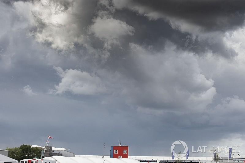 MOTO GP GRAND PRIX DE GRANDE-BRETAGNE 26 AOUT  Clouds-1