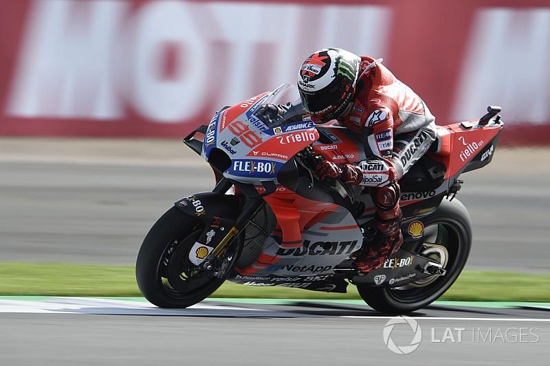 Лоренсо выиграл отложенную из-за дождя квалификацию MotoGP