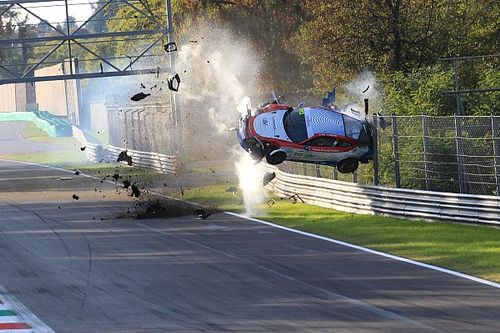 Pauroso volo di Pan a Monza: Porsche distrutta, pilota illeso!