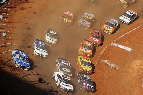 Dirt racing will return to the NASCAR Cup Series in 2022