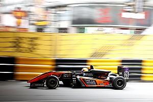 Elképesztő horror-bukás Makaóban az F3-as versenyen