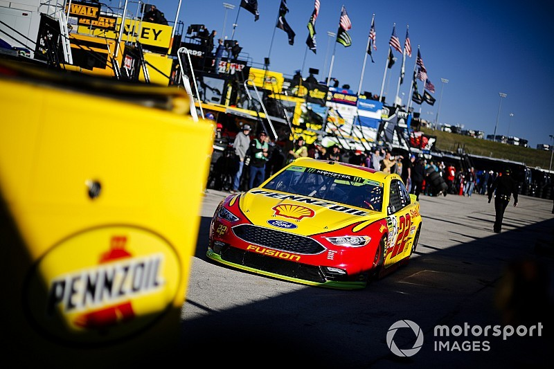 NASCAR Cup Kansas starting lineup in pictures