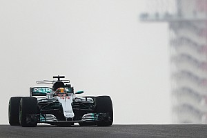 EL1 - Hamilton fend le crachin ; Alonso englué au garage