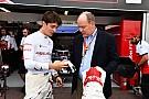 Leclerc egyre inkább beárazza csapattársát