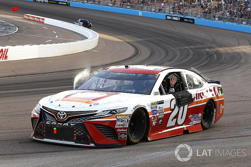 NASCAR in Phoenix: Kenseth siegt und bringt Keselowski ins Finale