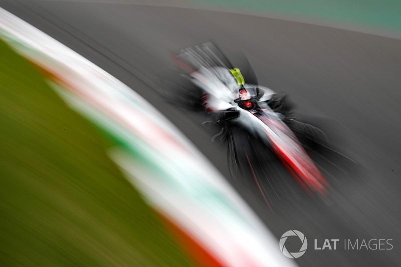 Magnussen: Singapur'da Renault ile mücadele edebiliriz