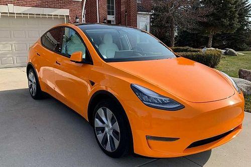 Több vásárlótól is duplán szedte be autói vételárát a Tesla, elkezdődtek a visszautalások