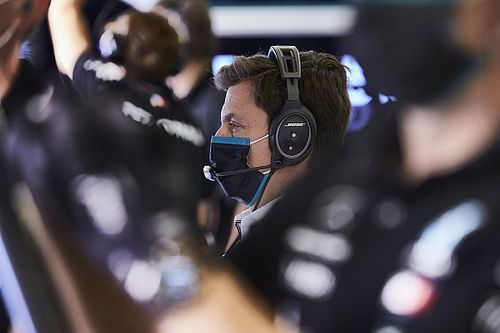 Wolff, Silverstone'daki ikinci yarışın yakın geçmesini bekliyor
