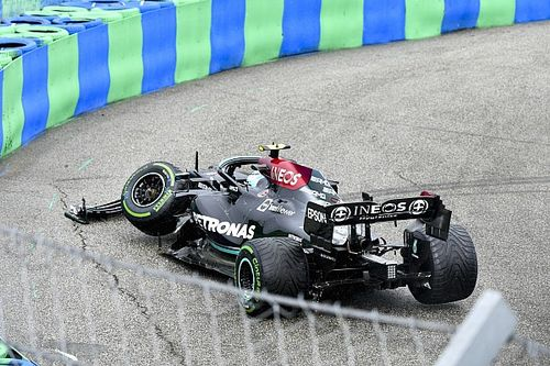Hungarian GP red-flagged as Bottas triggers Turn 1 crash