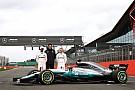 Fórmula 1 Após vazamento, Mercedes exibe carro oficialmente
