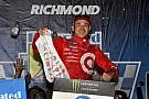 Larson fecha primeira fase da Cup com vitória em Richmond