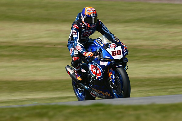 """Superbikes Van der Mark van elf naar vijf: """"Hopelijk zondag naar het podium"""""""