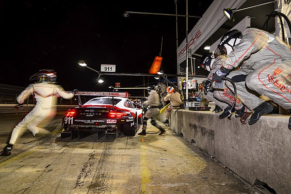 """Corvette Sebring GT victory aided by Porsche pit """"mistake"""" –Garcia"""