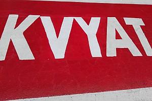 Forma-1 BRÉKING Sainz mérges, Kvyat szerint