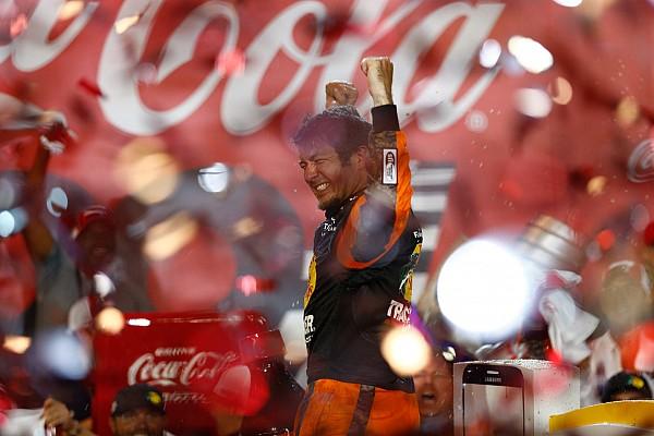 NASCAR Cup Más dominante que nunca, Truex Jr. vence en Charlotte