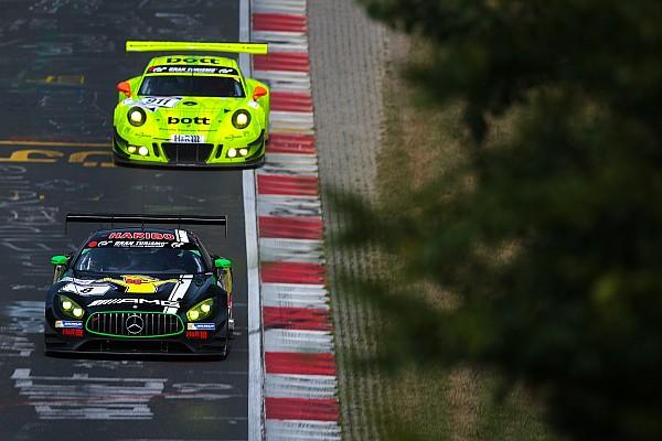 VLN 8: Strafe für Manthey-Porsche macht Haribo-Mercedes zum Sieger