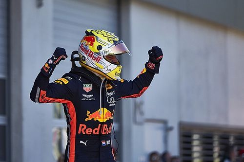 Insight: The full story of why Verstappen switched F1 helmets