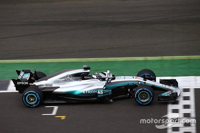 Mercedes test radicale T-vleugel, denkt nog na over haaienvin
