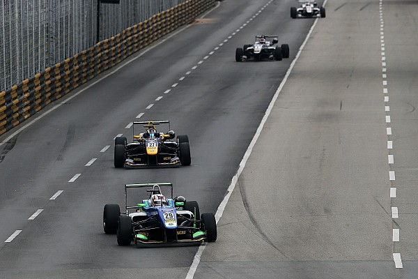 F3 Macau GP: Da Costa storms to main event victory