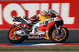 MotoGP Kwalificatieverslag Marquez pakt Argentijnse pole in natte kwalificatie, Abraham tweede