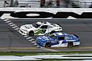 NASCAR XFINITY Финиш NASCAR был таким плотным, что победителя определил фотофиниш