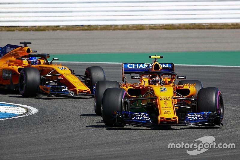 McLaren apremia a Vandoorne para que supere más a menudo a Alonso