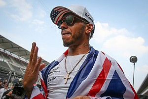 Hamilton falta a evento de patrocinador da Mercedes