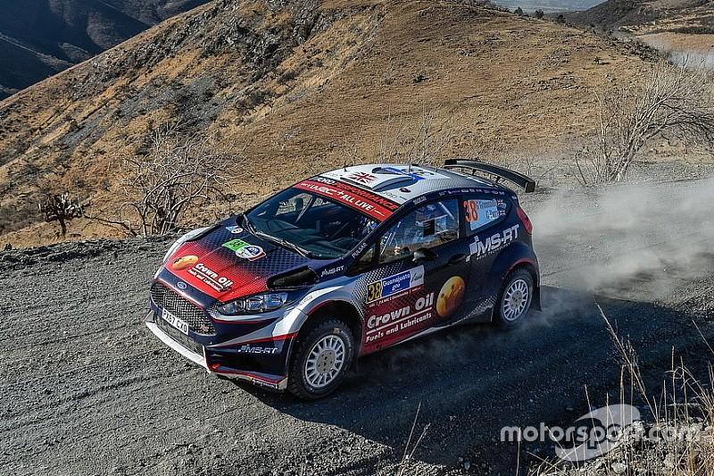 WRC2: brutto incidente per Greensmith in un test. Il navigatore Parry si è procurato fratture alla zona pelvica