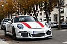 Auto Photos - Une Porsche 911 R à Paris