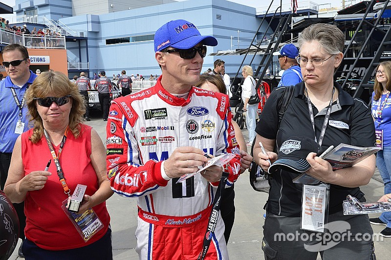 Harvick correrá en Sonoma en la NASCAR K&N Pro Series