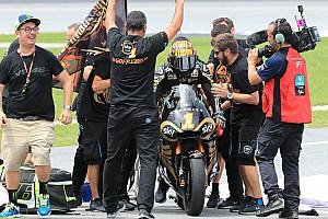 Fotogallery: Pecco Bagnaia festeggia la vittoria del Mondiale Moto2 a Sepang