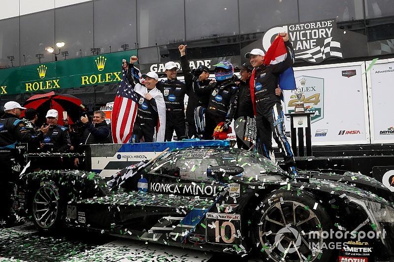Alonso reina en las 24 horas de Daytona