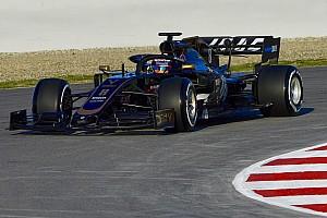 Megpördülés és műszaki hiba, de Grosjean elégedett a VF-19-cel
