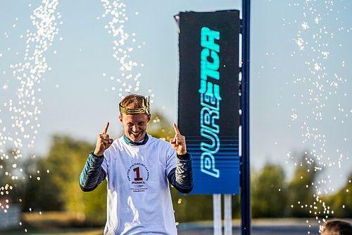 Ekstrom praises Cupra Racing team after winning Pure ETCR title