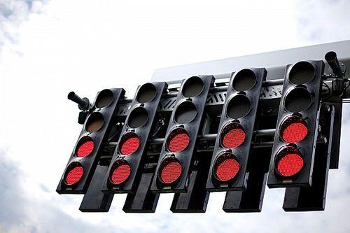 Dal GP del Bahrain di F1 la FIA introduce una nuova fila di semafori a metà griglia