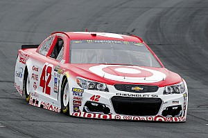 NASCAR Cup Breaking news Kyle Larson comes from the rear to battle for NHMS win