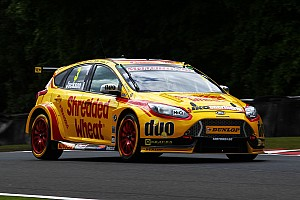 BTCC Race report Croft BTCC: Jackson beats Sutton in photo finish