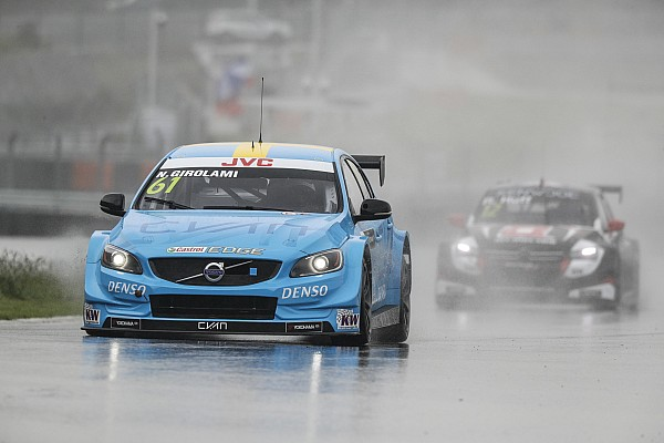 China WTCC: Girolami beats Michelisz for maiden pole