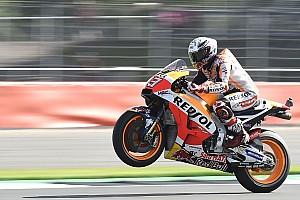 MotoGP Crónica de Clasificación Pole de récord para Márquez y Rossi segundo en Silverstone