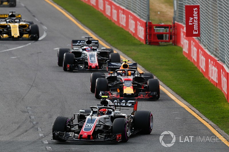 マグヌッセン「レースを改善するには、ドライバーの声は無視すべき」