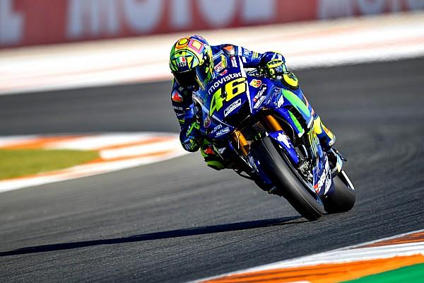 Rossi se queja de la moto de Yamaha en la última calificación del año