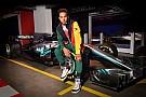 Fórmula 1 VIDEO: Hamilton se convirtió en embajador de Tommy Hilfiger