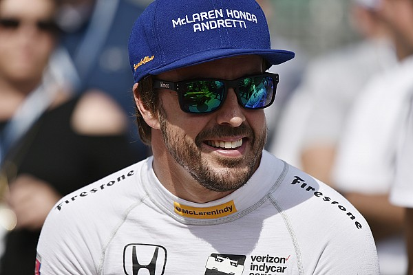 Формула 1 Новость Браун заметил в Алонсо перемены после решения об участии в Indy 500
