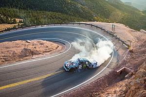 Hillclimb Últimas notícias VÍDEO: Ken Block sobe Pikes Peak com carro de 1.400 cv