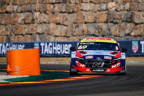 Вернэ остался лидером WTCR после этапа в Испании